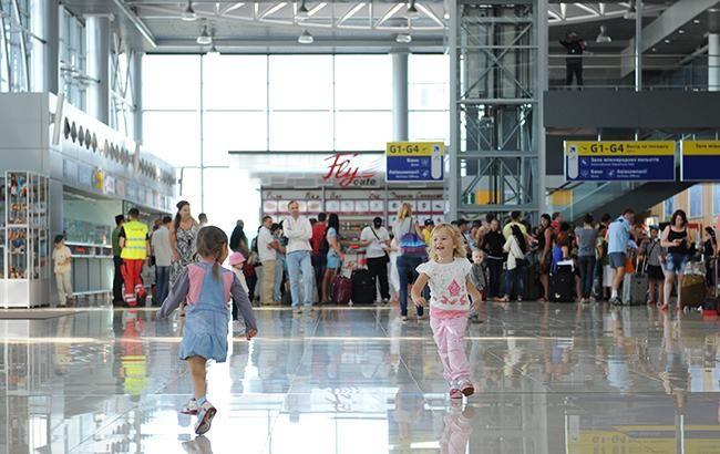 В аеропорту Харкова відтепер можна користуватися електронними паспортами
